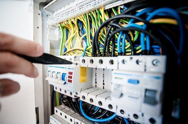 elettricista a torino e provincia h24