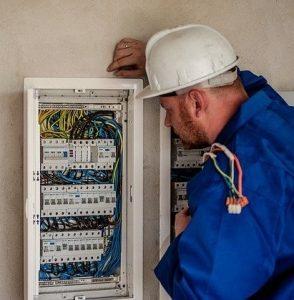 Elettricista a Torino fiume Po